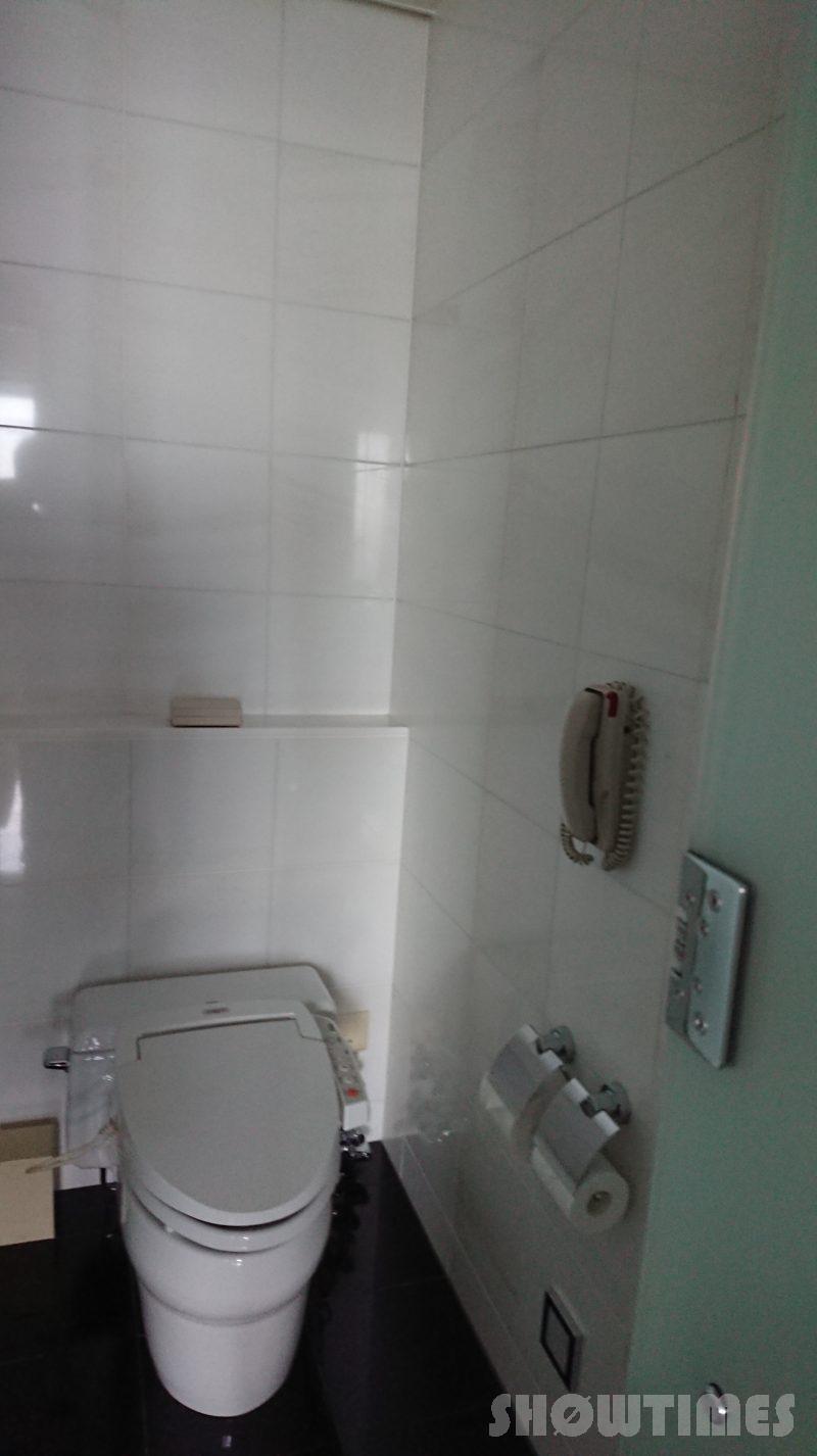コンラッド東京ベイビュースイートバスルーム横のトイレ