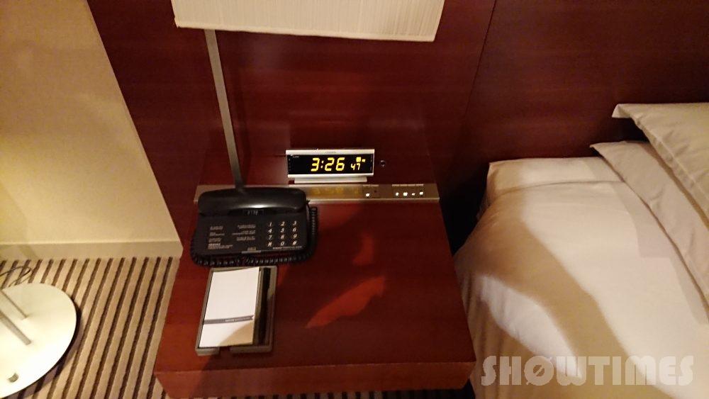 ハイアットリージェンシー東京のビューデラックスルームのベッドサイド