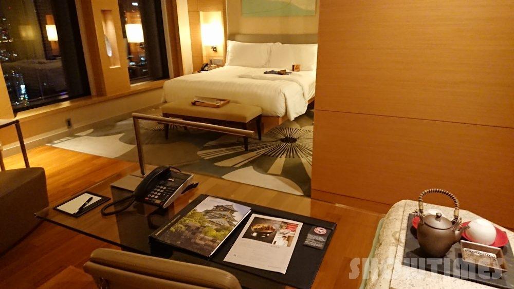 インターコンチネンタルホテル大阪デラックスダブルのリビングルーム4