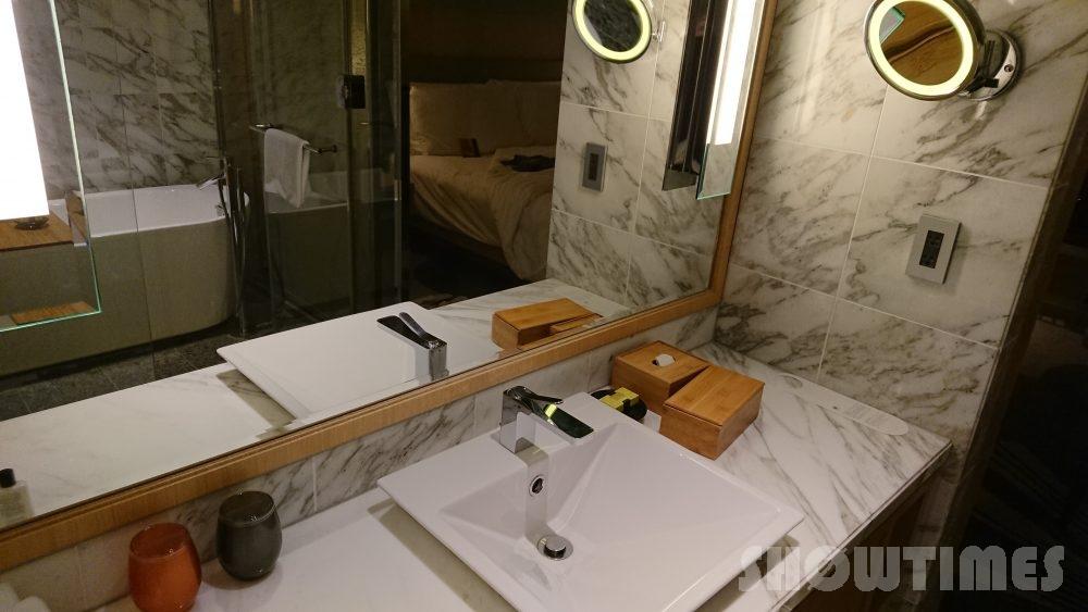 インターコンチネンタルホテル大阪デラックスダブルのシンク1