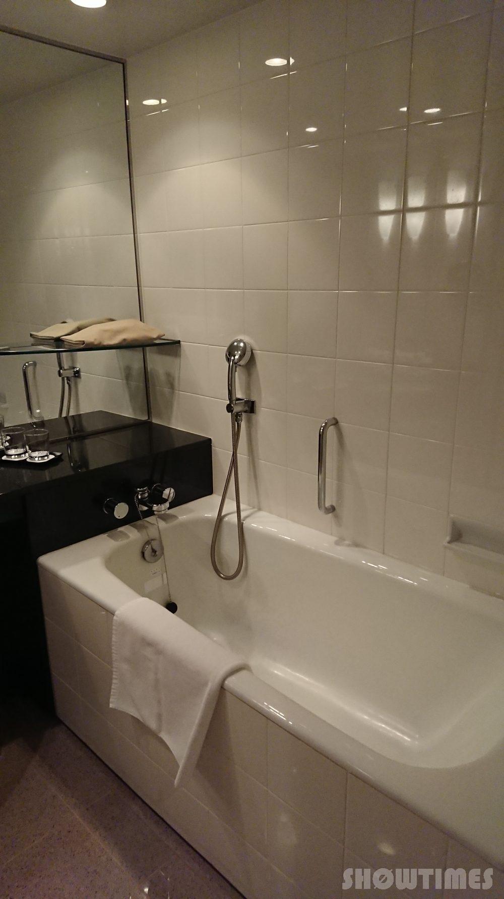 ハイアットリージェンシー大阪デラックスツインルームのバスルーム