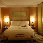 インターコンチネンタルホテル大阪デラックスダブルのベッドルーム1