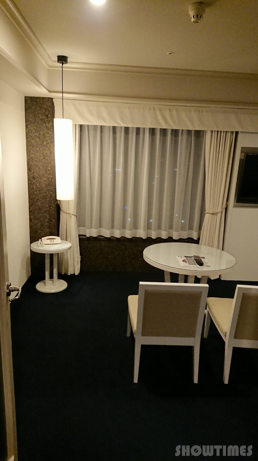 プレミアホテル中島デラックスラージダブルのリビング1