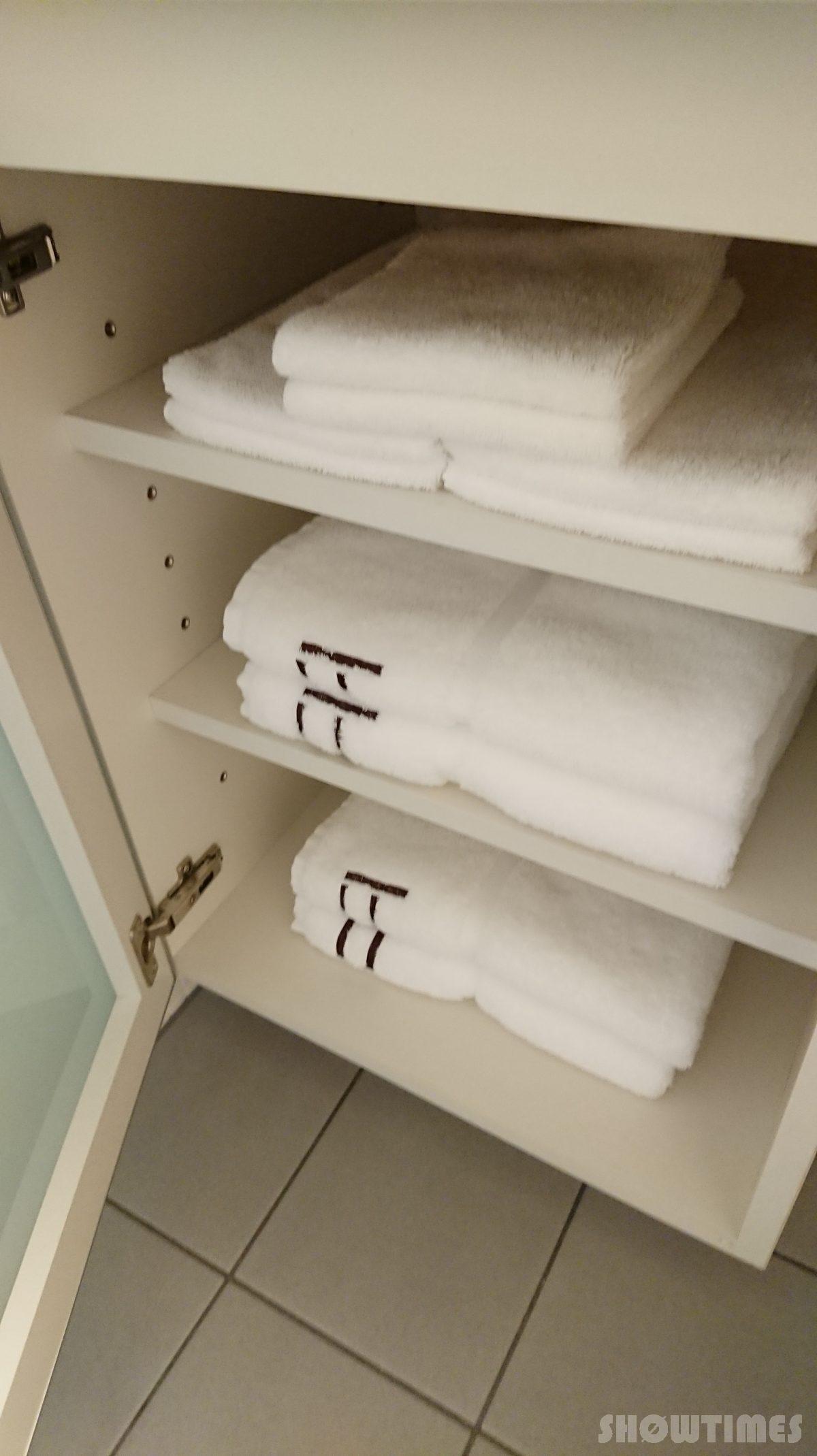 センチュリーロイヤルホテルエクスクルーシヴフロアバスルームのタオル
