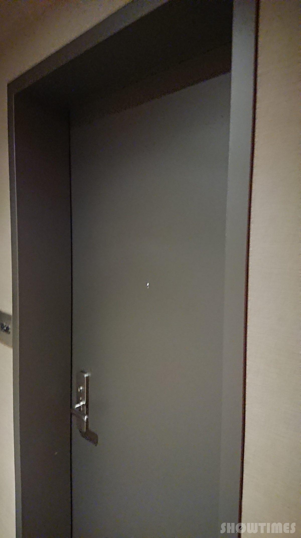 センチュリーロイヤルホテルエクスクルーシヴフロアの入り口ドア