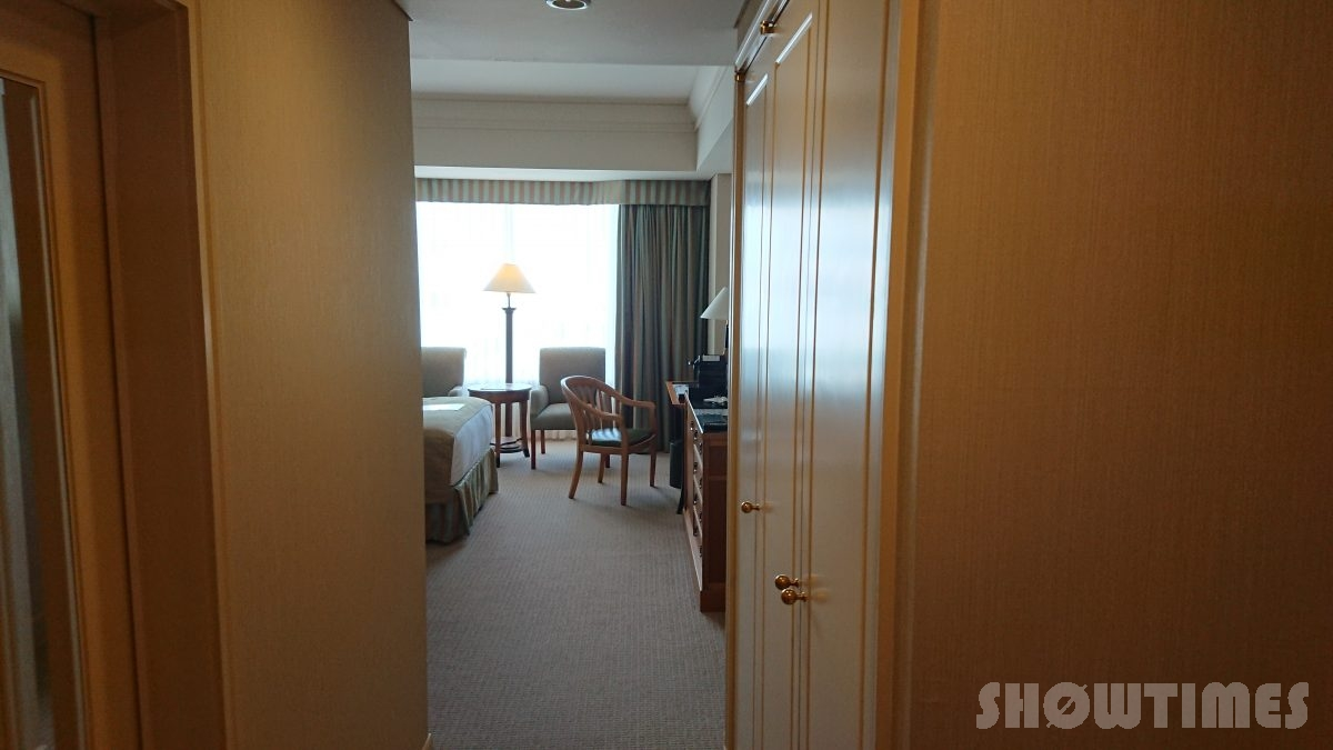 ホテルインターコンチネンタル東京ベイスーペリアリバービューツインの客室入口