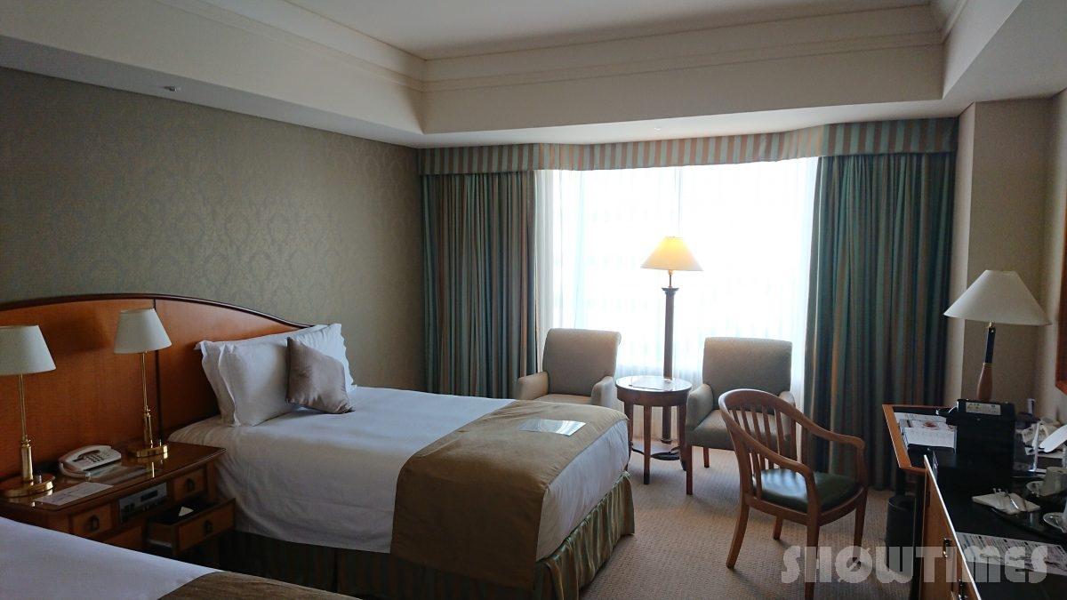 ホテルインターコンチネンタル東京ベイレギュラーフロアスーペリアリバービューツインのベッドルーム1