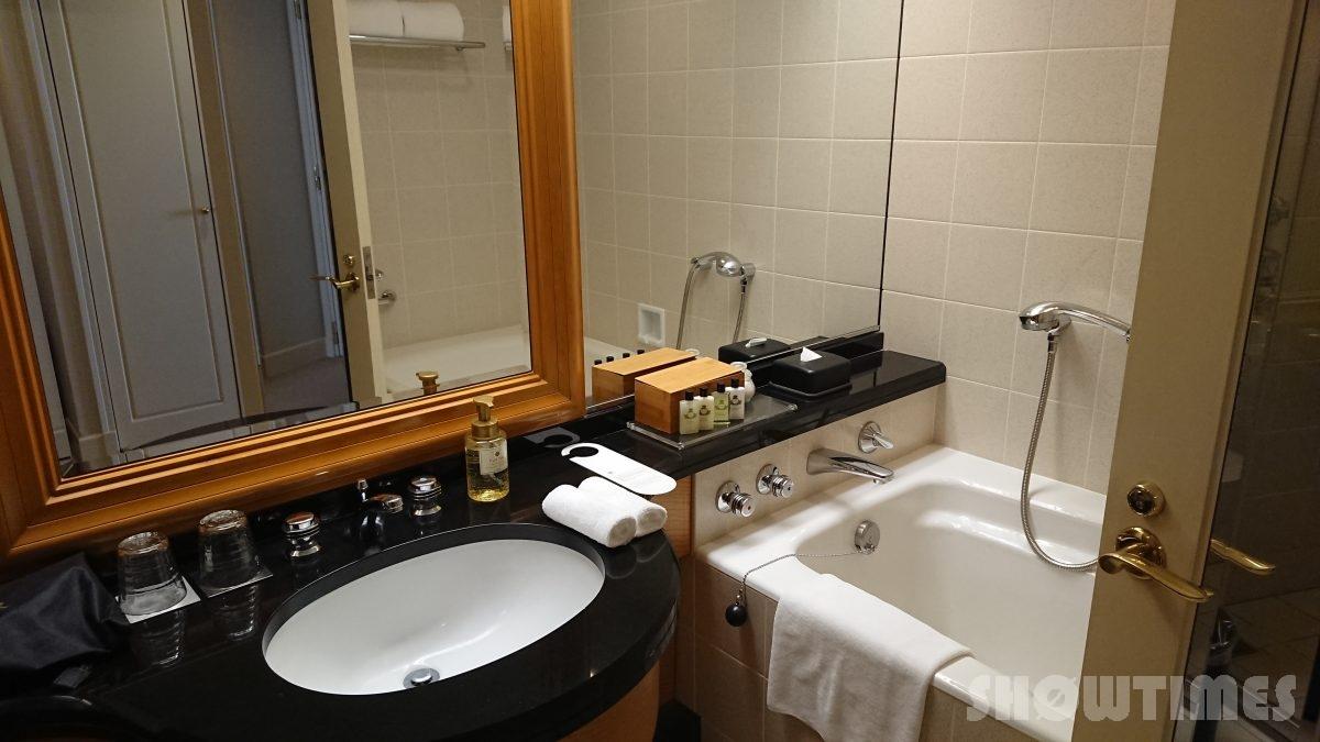 ホテルインターコンチネンタル東京ベイレギュラーフロアスーペリアリバービューツインのバスルーム1
